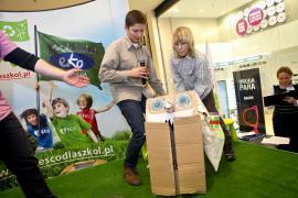 Tesco dla Szkół gala we Wrocławiu - robot do zbierania śmieci autorstwa uczniów z Komprachcic.jpeg