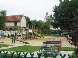 Plac zabaw w Osinach